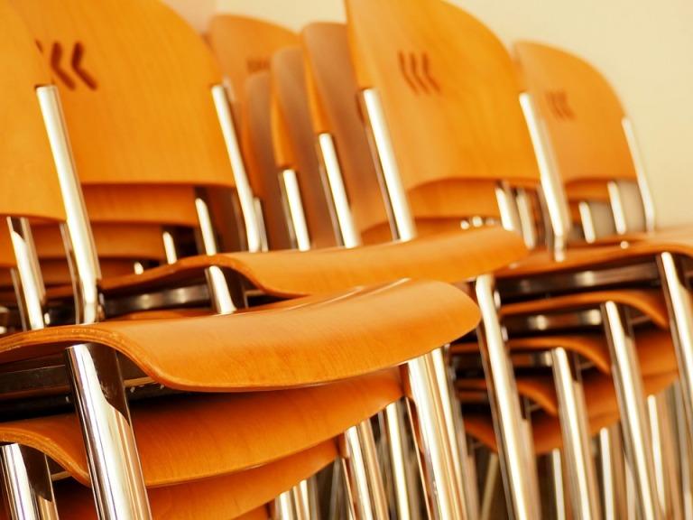 chair-2717991_960_720